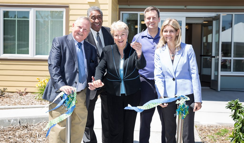 KCHA celebrates grand opening of Vantage Point Apartments in Renton