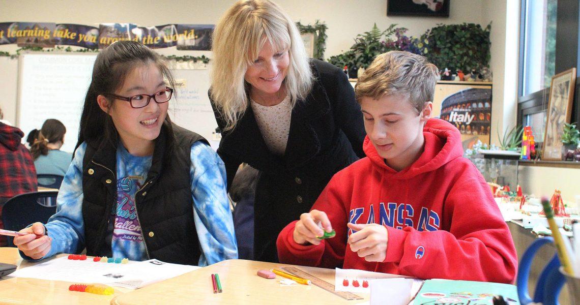 The Redmond Reporter: State Sen. Kuderer co-teaches math lesson at Stella Schola
