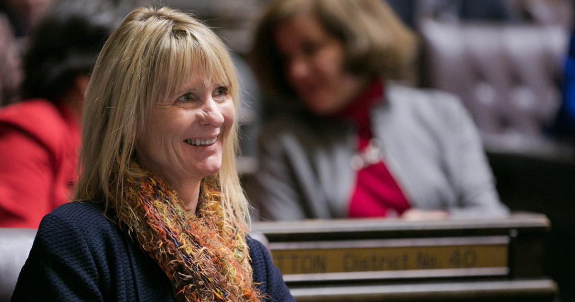 Kuderer's public financial cooperative bill passes Senate
