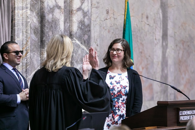 Lovelett sworn in as senator for 40th Legislative District